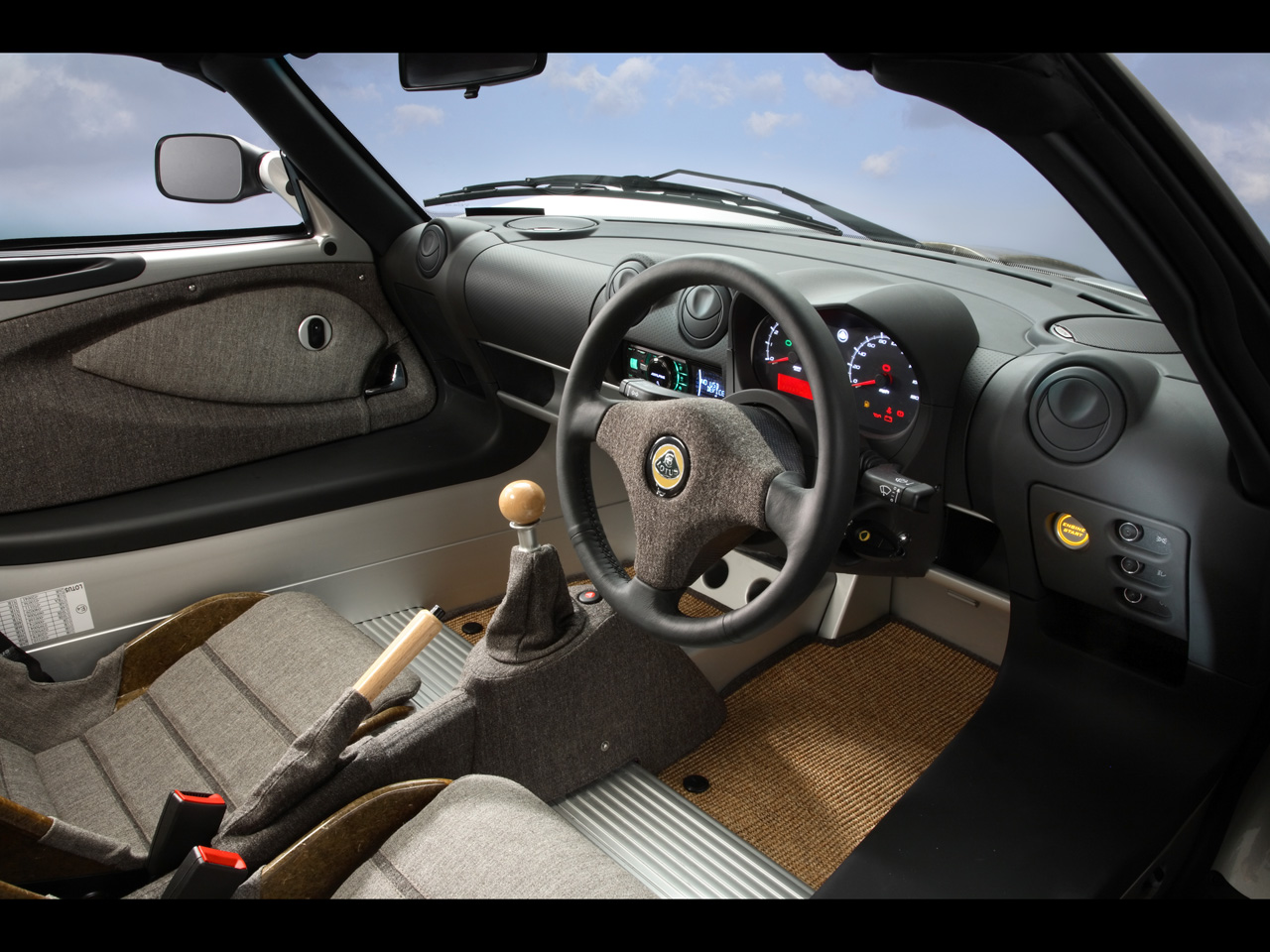 2008-Lotus-Eco-Elise-Interior-1280x960.jpg