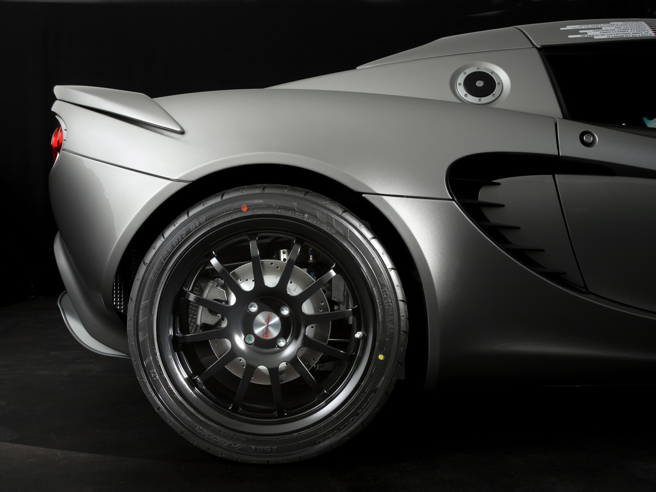 2008-Lotus-Eco-Elise-Rear-Wheel-1280x960.jpg