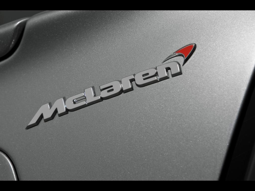 2009-Mercedes-Benz-SLR-McLaren-Roadster-722-S-Emblem-1024x768.jpg