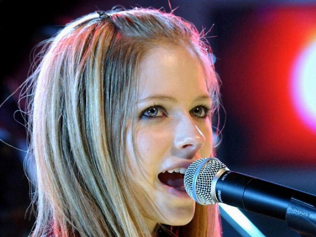 Avril-Lavigne-1.JPG