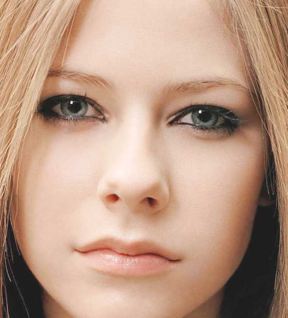 avril_lavigne_not_just_a_pretty_face.jpg