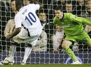Bent_Tottenham_UEFA0809.jpg