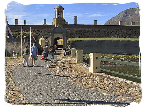 castle-of-good-hope-historyofsouthafrica.jpg