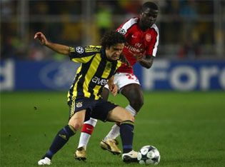fb_arsenal_ugurboral_eboue_09.jpg
