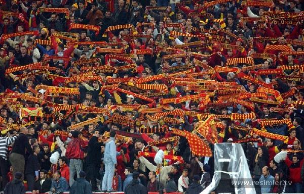 Galatasaray-taraftarlari.jpg