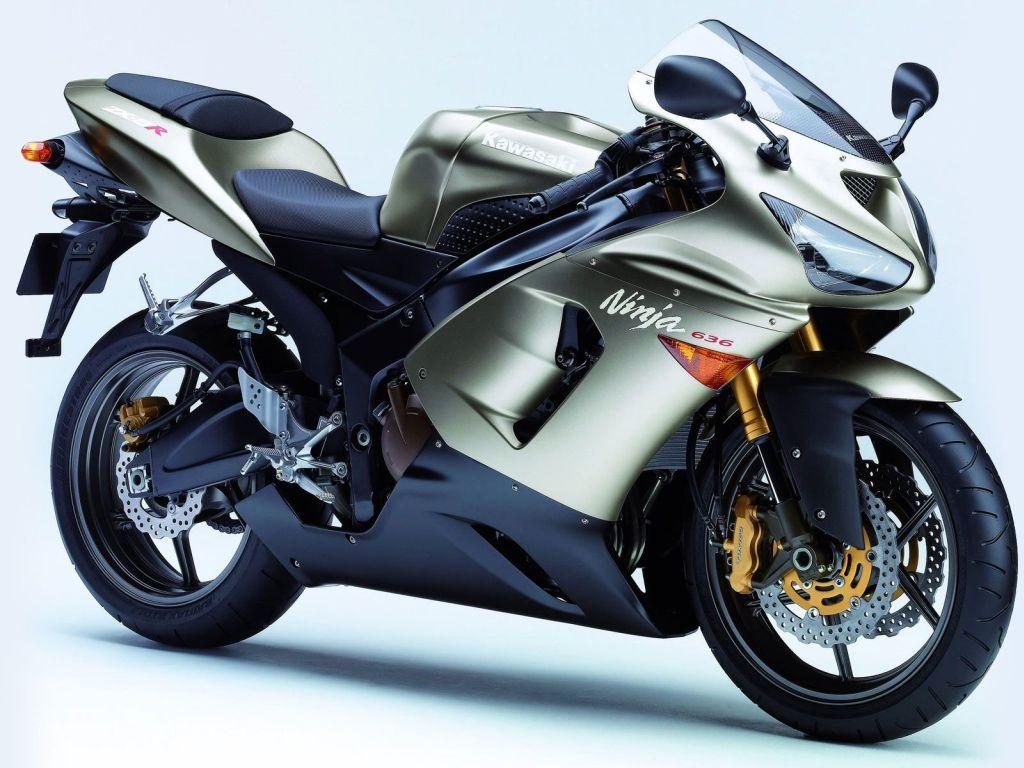 Kawasaki_Motosiklet_Moto_GP_1024x768_beyaz.jpg