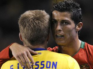 Larsson_Ronaldo_kucaklama.jpg