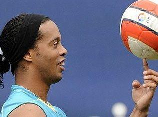 Ronaldinho_antrenman08.jpg