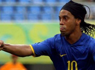 Ronaldinho_Pekin08_sevinc.jpg